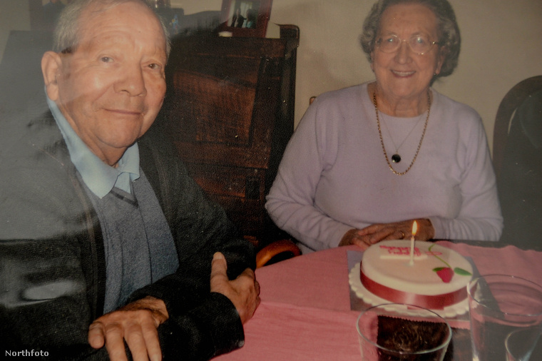 Ez egy viszonylag új portré róluk, a feleség itt volt 80 éves.