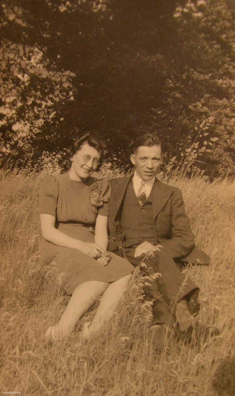 Ha már idáig elért ebben a lapozgatóban, csak kibökjük végre, mire megy ki a játék:Loftusék azóta is együtt vannak, azaz 76 éve házasok!Ebben a lapozgatóban összesen három ilyen sztorit mutatunk, amik annak állítanak emléket, hogy a fiatalkori szerelemből tényleg lehet holtig tartó szeretet és szép időskor.