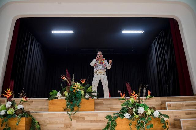 6. Művészet - műalkotás vagy művészeti tevékenység ábrázolása fotóriporteri eszközökkel (sorozat) - 1. díj: Kaszás Tamás (Fidelio Média Kft.): Miskolci Elvis