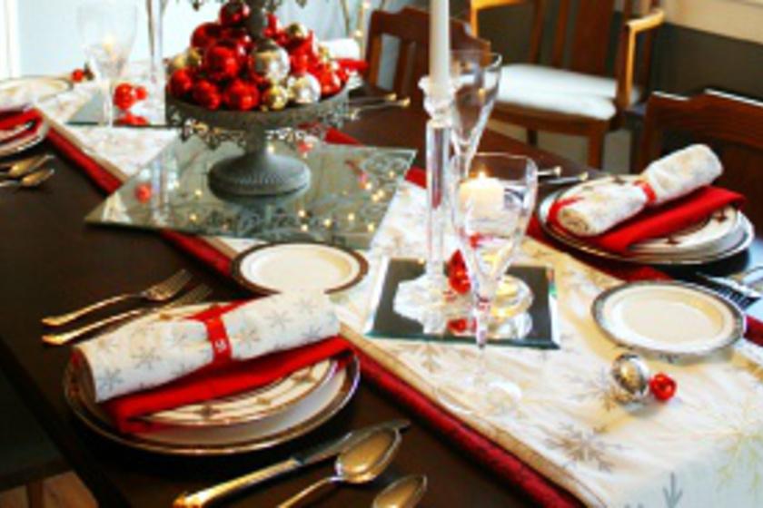 Álomszép karácsonyi terítéstippek: igazán ünnepi lesz így az asztal