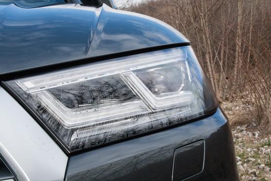 Csodálatosan világítanak a mátrix LED-es fényszórók