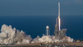 Már megint űrtörténelmet írt a SpaceX