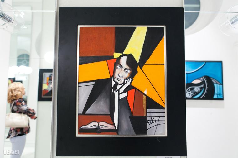 Elsősorban portrékat fest, absztrakt és geometriai formákkal, sík eltolással, egyedi vonásokkal fűszerezve.Élete egyik legfontosabb pillanata az volt, amikor csoportos kiállításon szerepelhetett egy festményével a Magyar Nemzeti Galériában 2012-ben.Ezzel mutatkozott be Magyarországon hivatalosan már festőművészként.