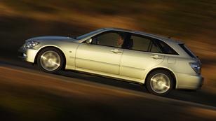 Az MX-5 kombi: egy Lexus!