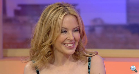 Kylie Minogue-on az arcfelvarrás is rontott