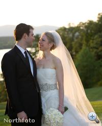 2010 - Chelsea Clinton menyasszonyi ruhában