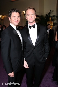 Neil Patrick Harris (J) és Párja David Burtka (B)