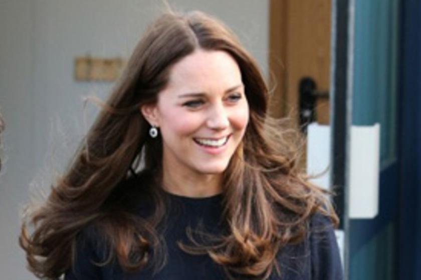 Párducmintás ruhájában káprázatos volt Katalin hercegnő! Képeken a várandós  ruhatára - Világsztár  57bfe7c89a