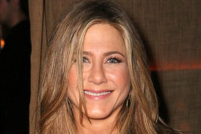 jennifer aniston lead