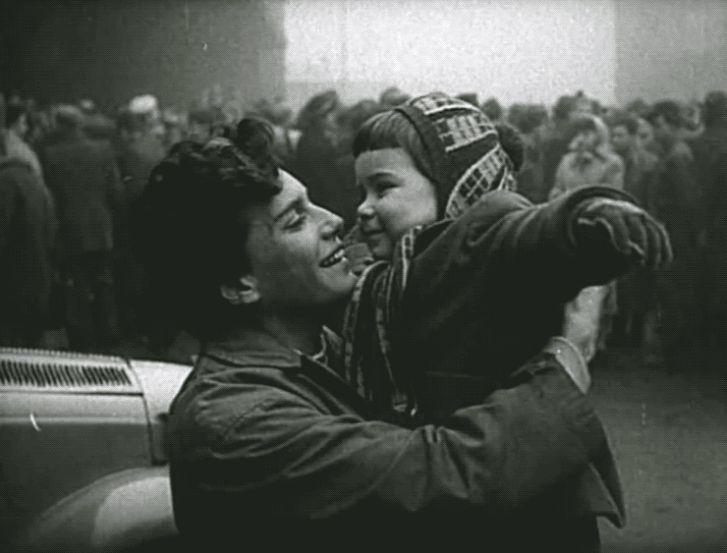 Székely Éva olimpiai bajnok úszó a kislányával, Andreával 1956-ban