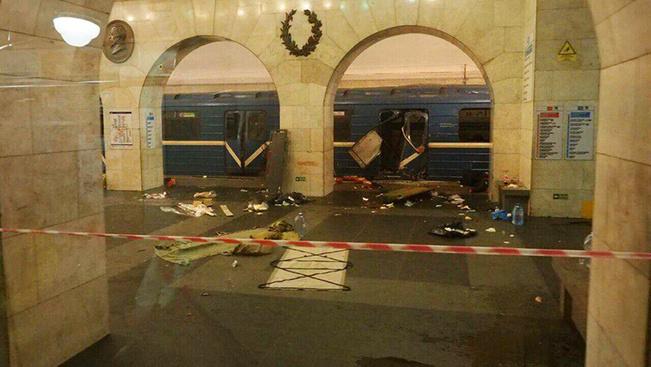 Robbanás történt a szentpétervári metróban