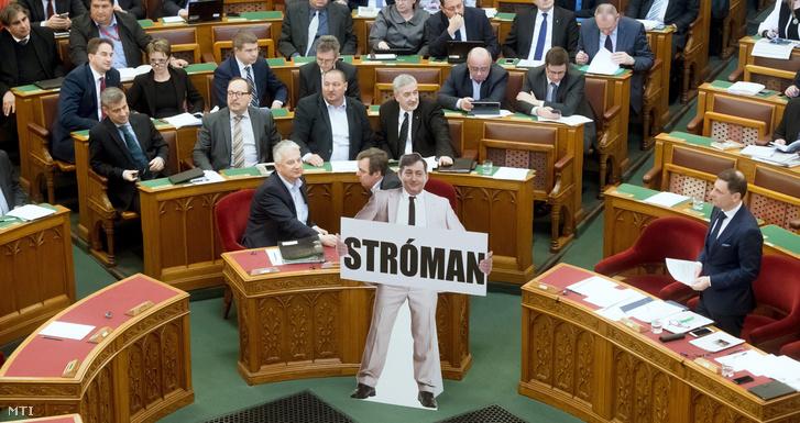 Stróman a Parlamentben március 6-án