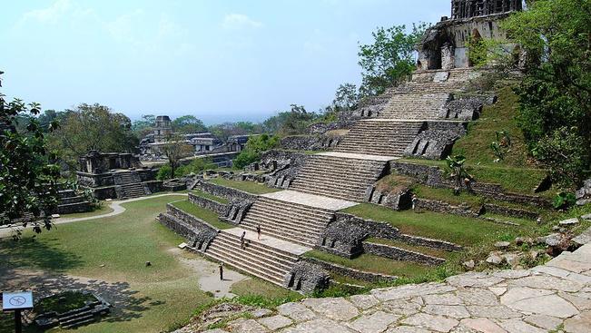 Álarcos banditák raboltak ki turistákat Mexikóban