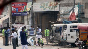 Hét halott egy pakisztáni öngyilkos merényletben
