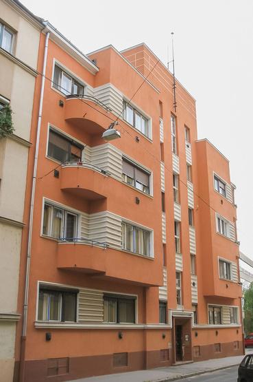 Debrecen, Vásáry István utca 8., bérház, 1934