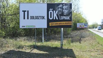 Indul a Jobbik- és Simicska-ellenes plakátháború