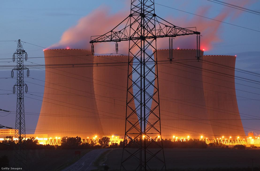 A csehországi temelíni erőmű bővítése ügyében a Westinghouse-t is megszólította, a döntést 2017 tavaszán kellene meghozni