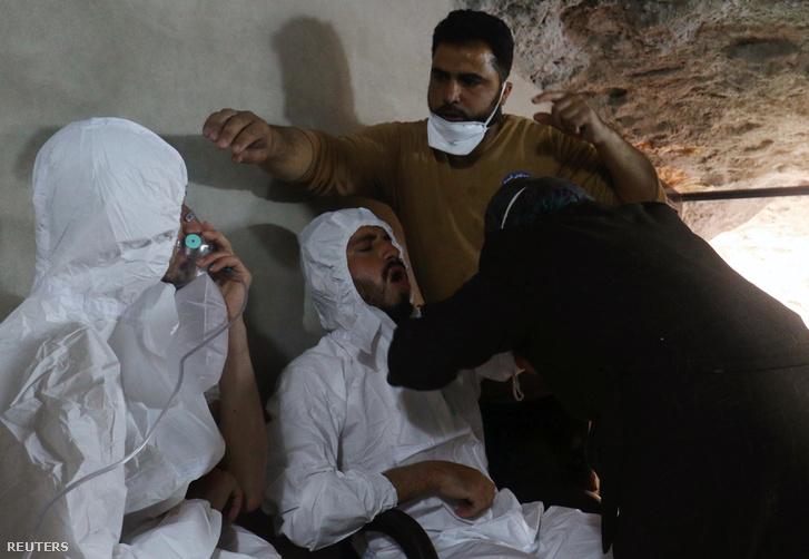 A támadás után Idlib városában