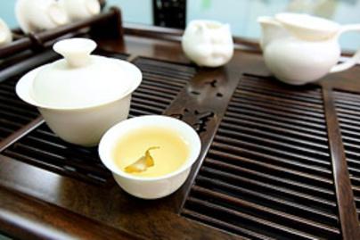 feher tea1