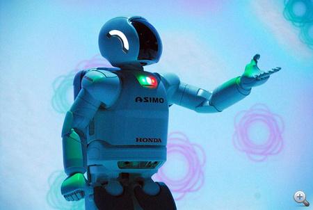 Asimo megmutatja, hogyan kellene megmenteni a Földet