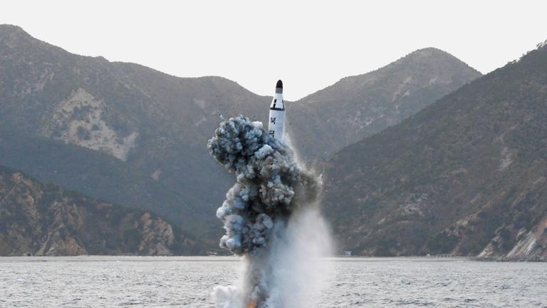 Mihez kezd Trump az észak-koreai atommal?