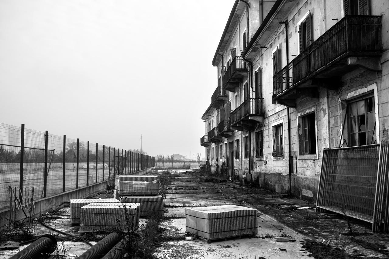 Az egykor azbesztet feldolgozó, mostanra bezárt eternitgyár irodái (Casale Monferrato,  Alessandria).