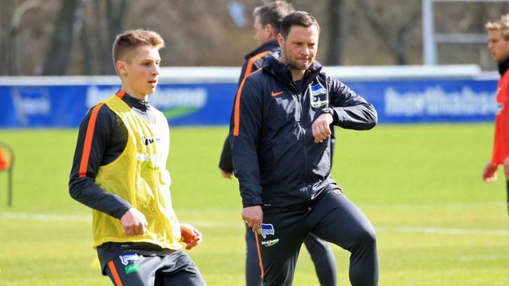 Dárdai Pál és fia Palkó a Hertha egyik edzésén.