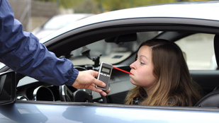 Sok kamasz szerint oké tömény után vezetni