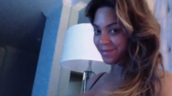 Beyoncé még mindig őrülten szerelmes