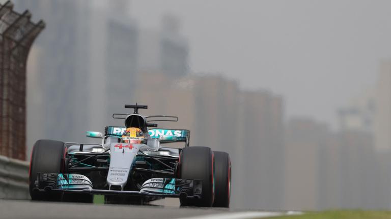 Hamilton óriási pályacsúccsal szerezte meg a pole pozíciót Kínában