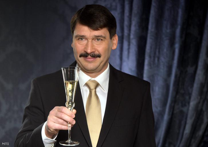 Áder János a 2013-as szilveszteri köszöntőjekor