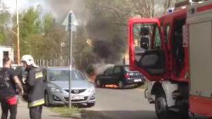 Az utolsó pillanatban menekült ki égő autójából egy család Kőbányán