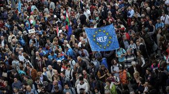 Van-e az a tömeg, amitől meghátrál Orbán?