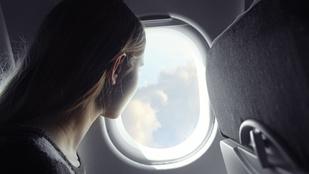 Mi a francért kell a repülőn leszállásnál felhúzni a napellenzőt?
