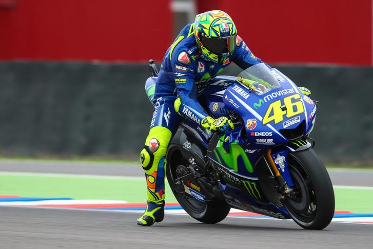 Rossinak gondjai voltak féktávon