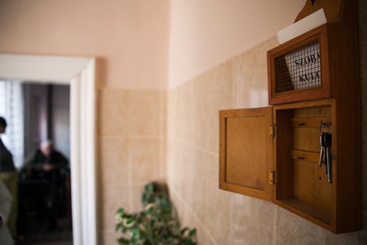 A ricsei otthonban a nővérszoba melletti dobozból lehet elvenni az intimszoba kulcsát.