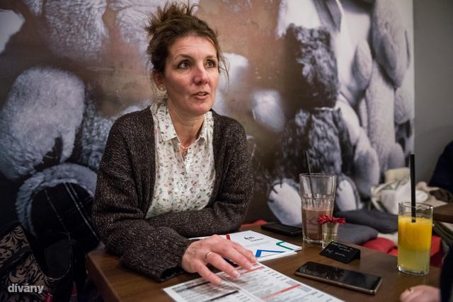 Tóthné Almássy Monika a Heim Pál Kórházban munkatársa volt, ma már csak a Kórházsulival foglalkozik, de visszajár önkénteskedni is.