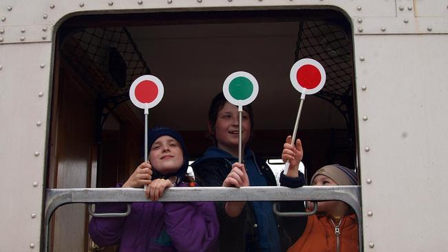 Nagyszombati programok a Gyermekvasút megállóiban