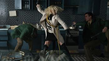 Depeche Mode-ra rendez vérfürdőt Charlize Theron