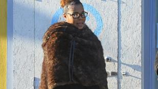 Janet Jackson férje külön él, de ajándékokkal halmozza el fiát