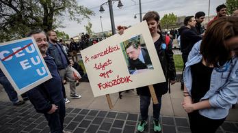 Brüsszel válaszolni fog Orbán EU-ellenes kampányára