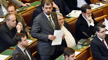 A Jobbik összefog a baloldallal a CEU-törvény ellen