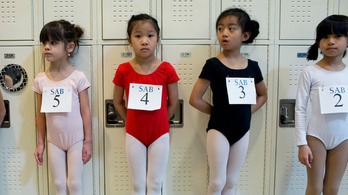 Lesse meg, hogy felvételiznek a legkisebbek a balettiskolába!