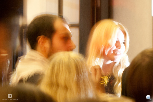 Claudia Schiffer fénylény