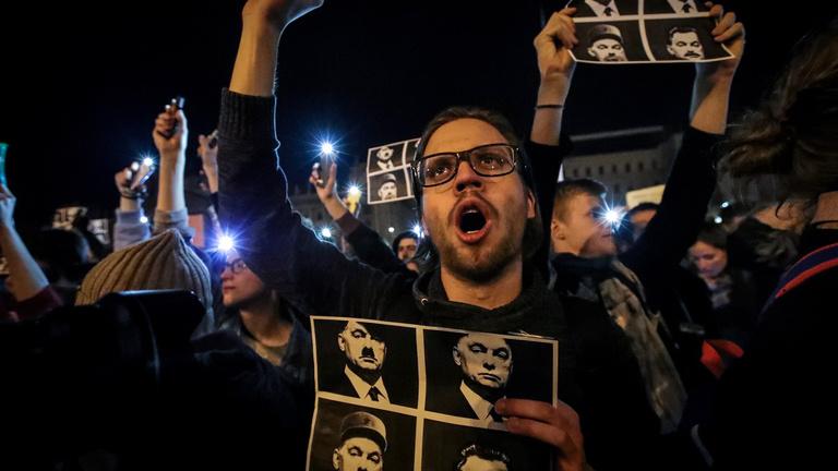 Alig akarják abbahagyni a tüntetést Orbán ellen