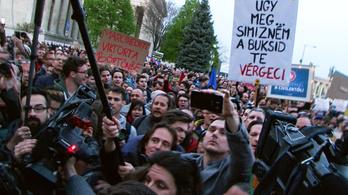 Az esti balhé a Fidesz-székháznál