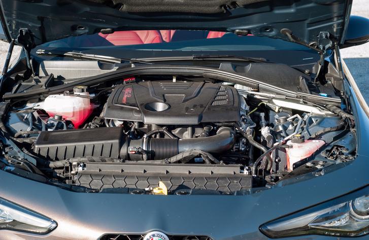 Ez Alfa-motorburkolat viszonylatban elég hitvány