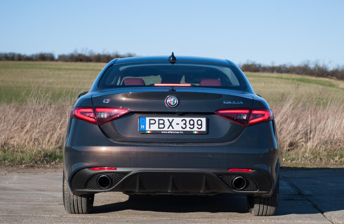 Ez nem valami Maserati hátulról?