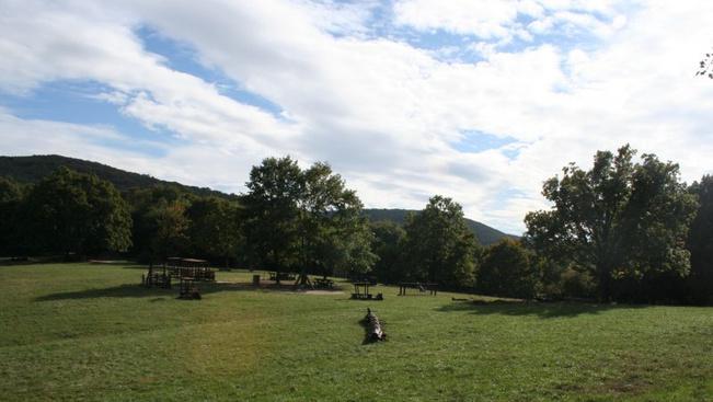 Húsvéti tanösvények túrázni szerető gyerekeknek