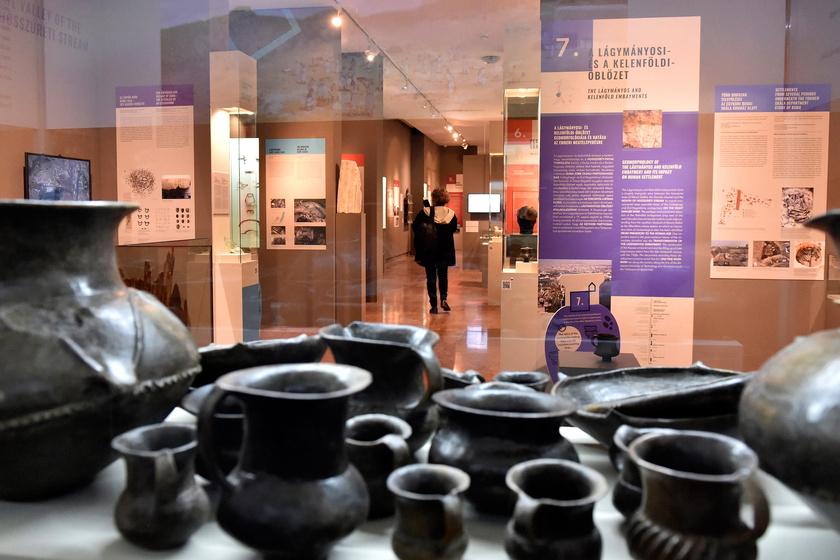 Cserépedények a Kincsek a város alatt című kiállítás megnyitója napján a Budapesti Történeti Múzeum Vármúzeumában.